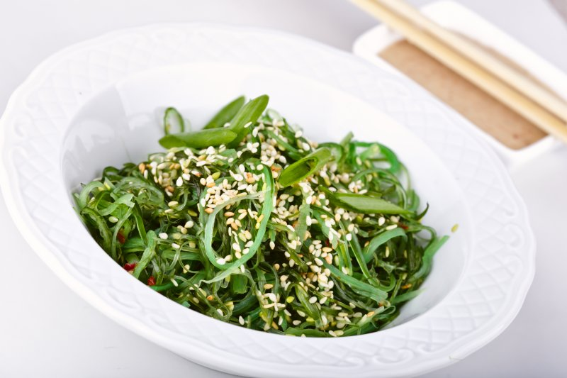 THE BENEFITS OF WAKAME SALAD